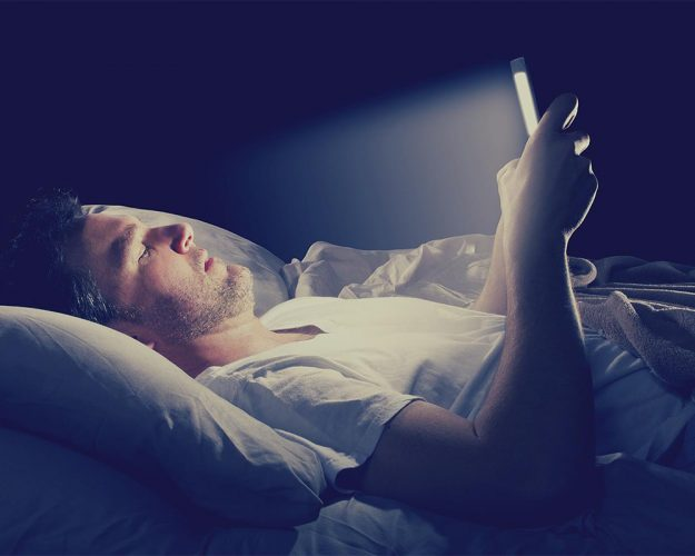 How Smartphones Light Cause Risk To Your Body